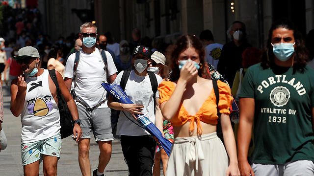 Maske takmak vücuda giren virüs miktarını azaltabilir