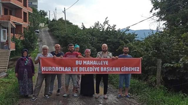 Sözünde durmayan AK Partili başkana pankartlı tepki