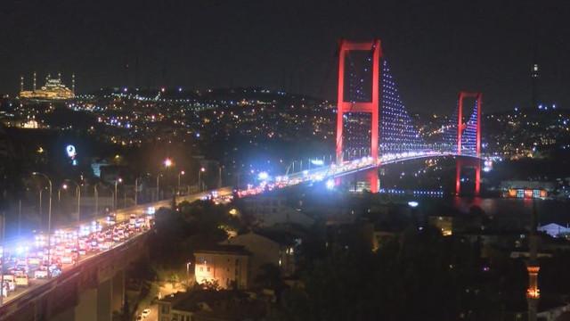 İstanbul'da sabaha kadar bayram trafiği !