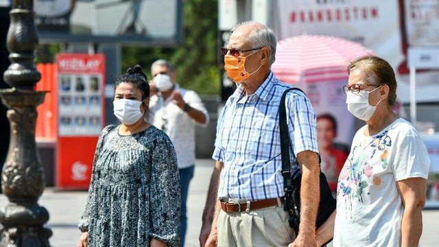 Başkent'te kadına şiddete karşı Turuncu Maske