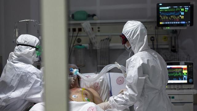 ABD'de koronavirüs ölümleri 155 bini aştı