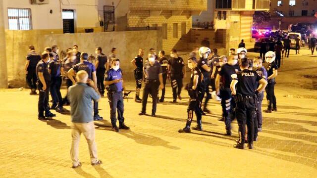 Polisin maske uyarısıyla ortalık karıştı! 5 gözaltı var