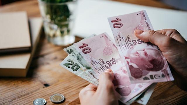 Öğrencilere müjde: Burs ve kredi ödemeleri başladı!