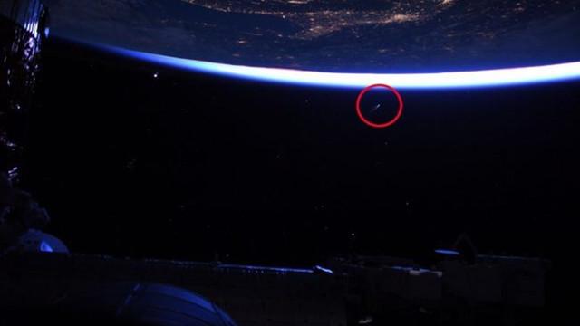 Yeni tehdit uzaydan geliyor: Dünya'ya yaklaşmaya başladı!