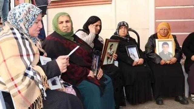 HDP önündeki bir aile daha çocuğuna kavuştu
