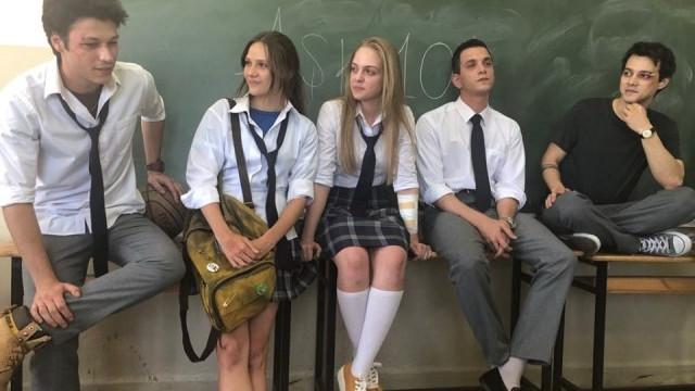Aşk 101 oyuncusu Kubilay Aka'dan AK Parti'ye sert yanıt