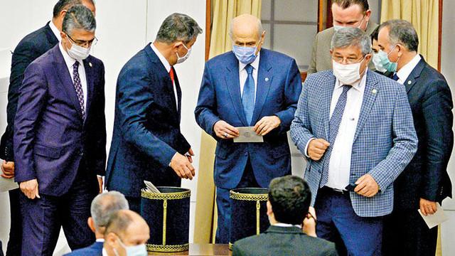 İYİ Parti teklif etti, Bahçeli kabul oyu verdi