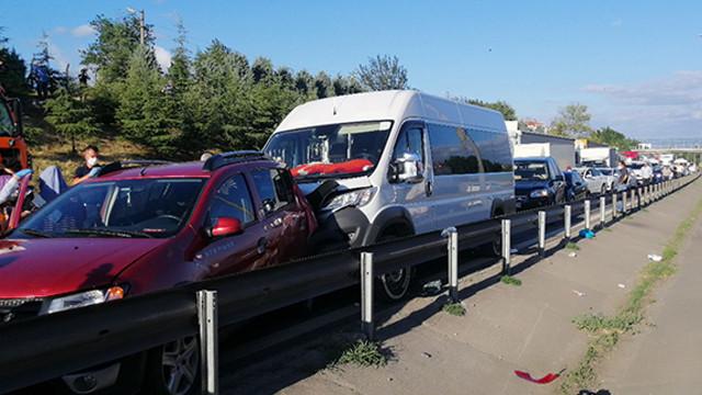 TEM Otoyolu'nda zincirleme kaza: 1 kişi yaralandı