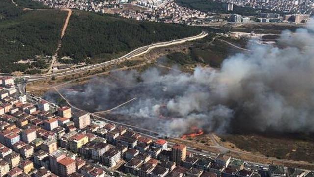 İstanbul Maltepe'de askeri alanda yangın!