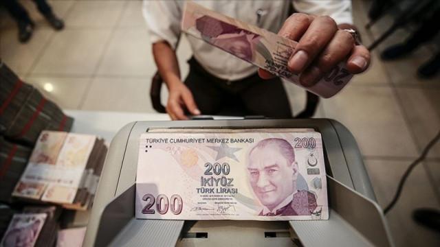 Piyasalarda dikkat çeken hareketlilik: Türk Lirası'ndan kaçış var!