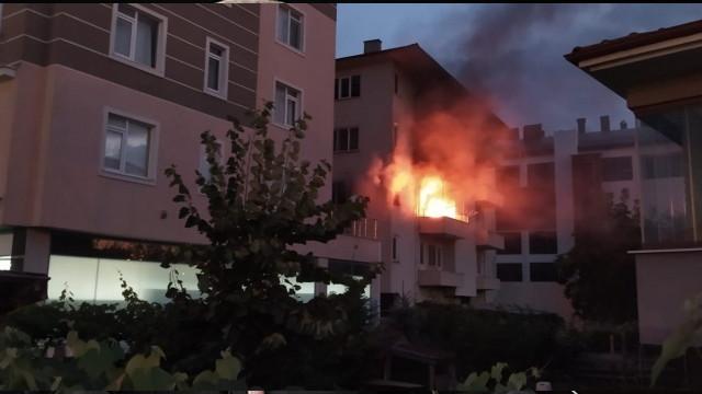 Bolu'da bir evde yangın paniği! Ağır hasar oluştu