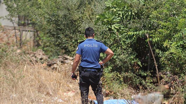 Antalya'da boş arazide bulunan erkek cesedinin kimliği tespit edildi