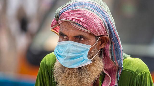 Bangladeş'te koronavirüs vaka sayıları artıyor