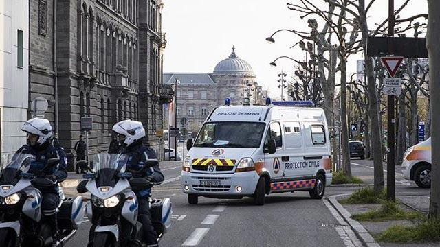 Fransa'da koronavirüsten can kaybı 30 bin 296'ya ulaştı