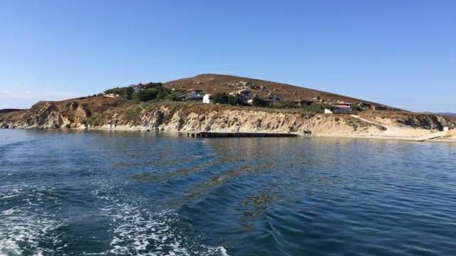 Marmara'nın ortasında Robinson hayatı için satılık ada