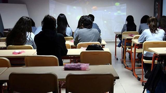 Bilim Kurulu Üyesinden okulların açılmasıyla ilgili açıklama