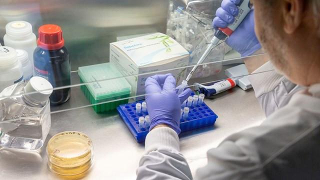 ABD, potansiyel korona aşısı için 1 milyar dolar ödeyecek
