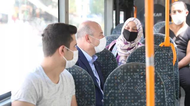 İçişleri Bakanı Soylu, halk otobüsünde görüntülendi