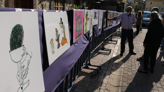 Çizgi-Yorum Karikatür Sergisi Kartal'da açıldı