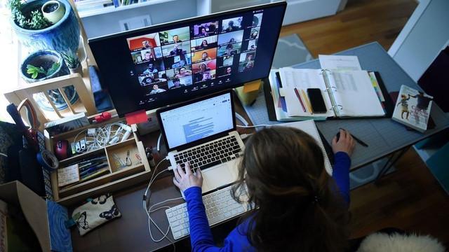 ''1.5 milyon öğrencinin interneti yok, öğretmenler sisteme giremiyor''