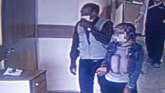 Koronavirüse yakalanan kız ve babası hastaneden kaçtı
