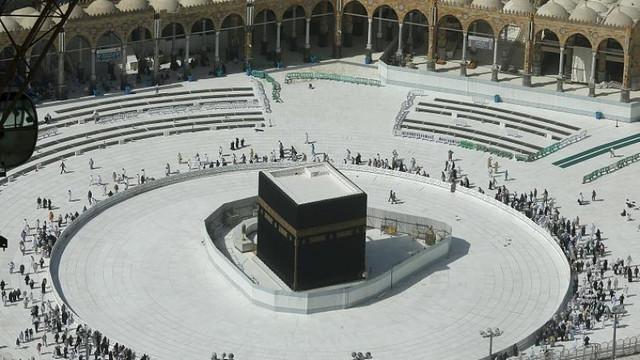 Suudi Arabistan'dan Umre kararı