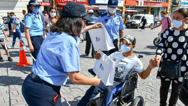 Ankara'da koronavirüs farkındalık tişörtlerine büyük ilgi