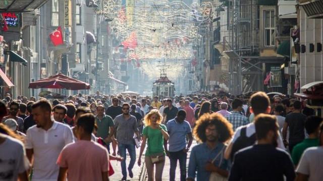 Türkiye'de yaşam süresi uzadı! Kadınlar 5 yıl daha fazla yaşıyor