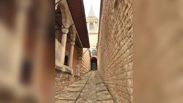 Topkapı Sarayı'ndaki gizli yol ziyarete açıldı