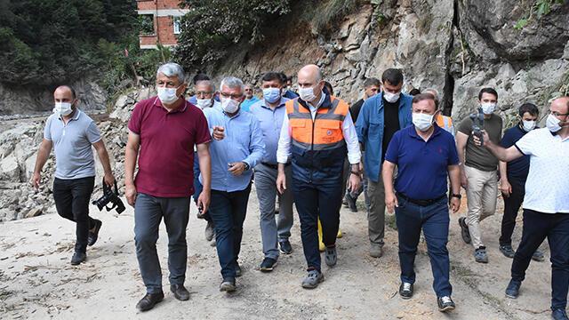Bakan Karaismailoğlu sel bölgesinde incelemelerde bulundu