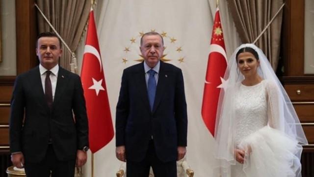 Başsavcıdan Cumhurbaşkanlığı Sarayı'nda evlilik pozu