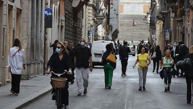 İtalya'da koronavirüs vaka sayısı 300 bini aştı