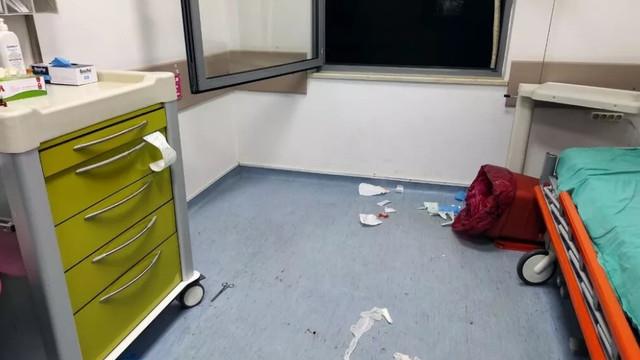 Sağlık çalışanına tekme, tokat ve makaslı saldırı!