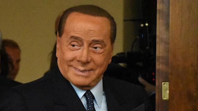 Berlusconi ikinci kez koronavirüse yakalandı