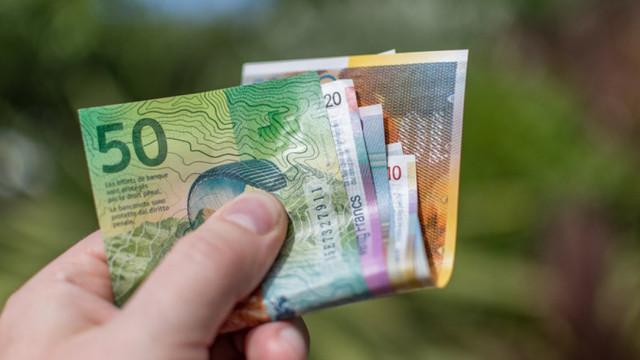 Dünyanın en yüksek asgari ücreti halk oylamasıyla kabul edildi