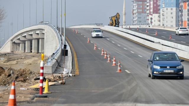 Başkent'in trafiğini rahatlatacak projeler birer birer bitiyor