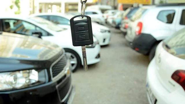 Araç alacaklar dikkat! İkinci el araba fiyatları ne zaman düşecek?