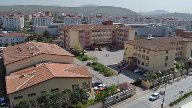 AK Partili belediye borcu için okul sattı!