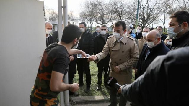 İBB Başkanı İmamoğlu'ndan evsiz vatandaşlara ziyaret