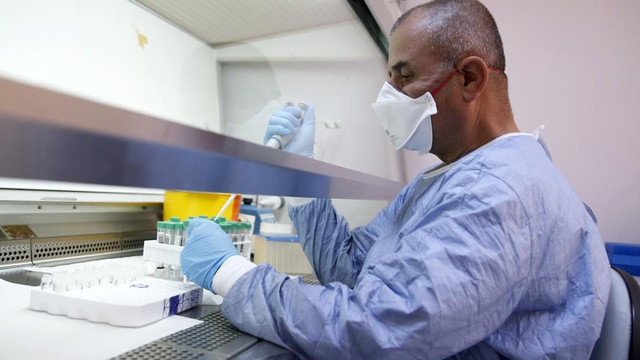 Koronavirüs mutasyonu: İyileşen ve aşılananlar yeniden hastalanabilir mi?