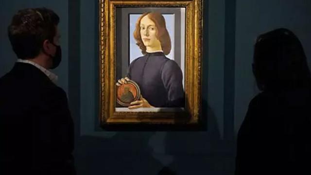 Young Man Holding a Roundel tablosu satışa çıkıyor