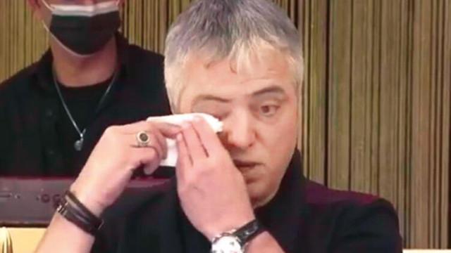 Cengiz Kurtoğlu gözyaşları içinde anlattı: Üvey annemden şiddet gördüm