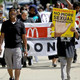 Fast-food devinde cinsel taciz skandalı!
