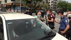 Sultangazi'deki izin kağıdı kontrol edilen vatandaş polisin üzerine yürüdü!