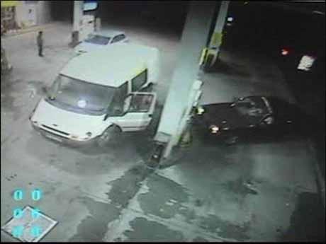 Benzin istasyonunda sarhoş şoför dehşeti