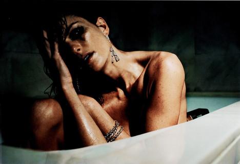Marisa Miller banyoda