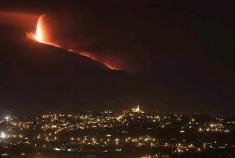 Etna Yanardağı yine coştu