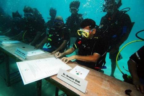 Deniz altında bakanlar kurulu !