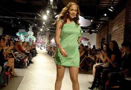 Jennifer Lopez hem hazırladı, hem tanıttı