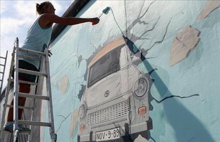 Berlin Duvarı restore ediliyor